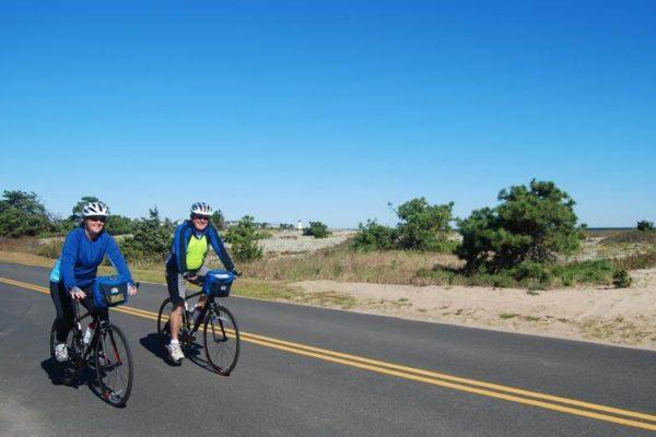 island-idyll-marthas-vineyard-vacation-bike-tour