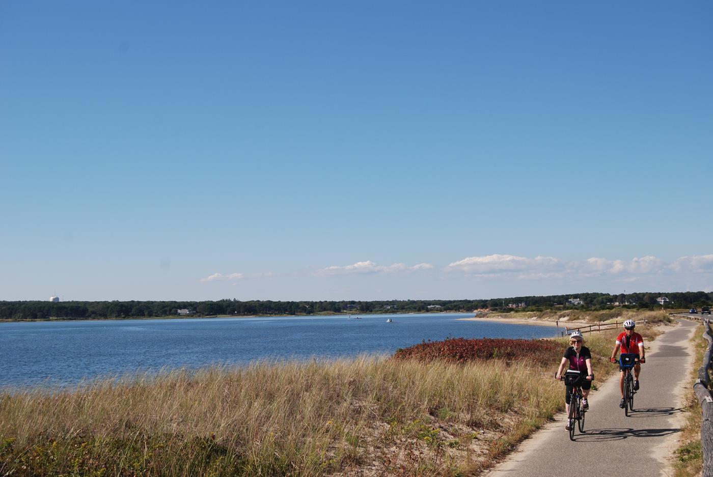 marthas vineyard vacation bike tour 24